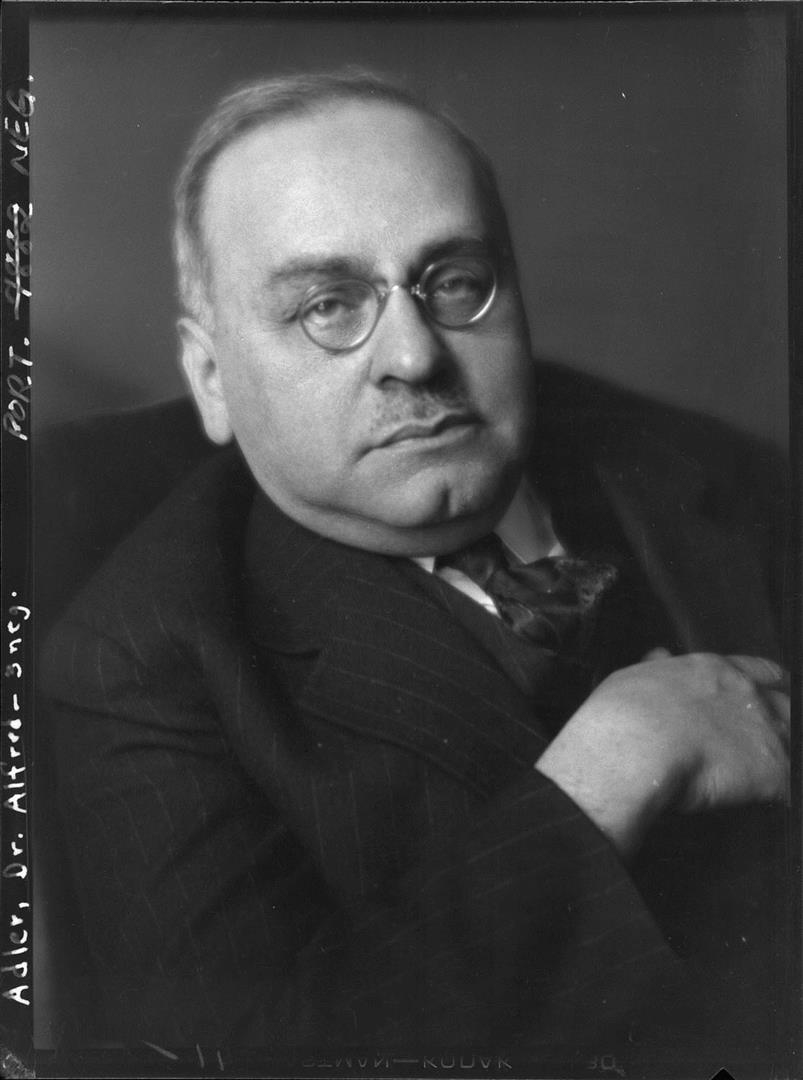 1870-1937 Freimaurer und Jude Alfred Adler. Psychotherapeut. Konvertierte 1904 zum Christentum