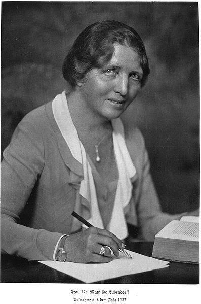 1877-1966 Verschwörungstheoretikerin Mathilde Ludendorff