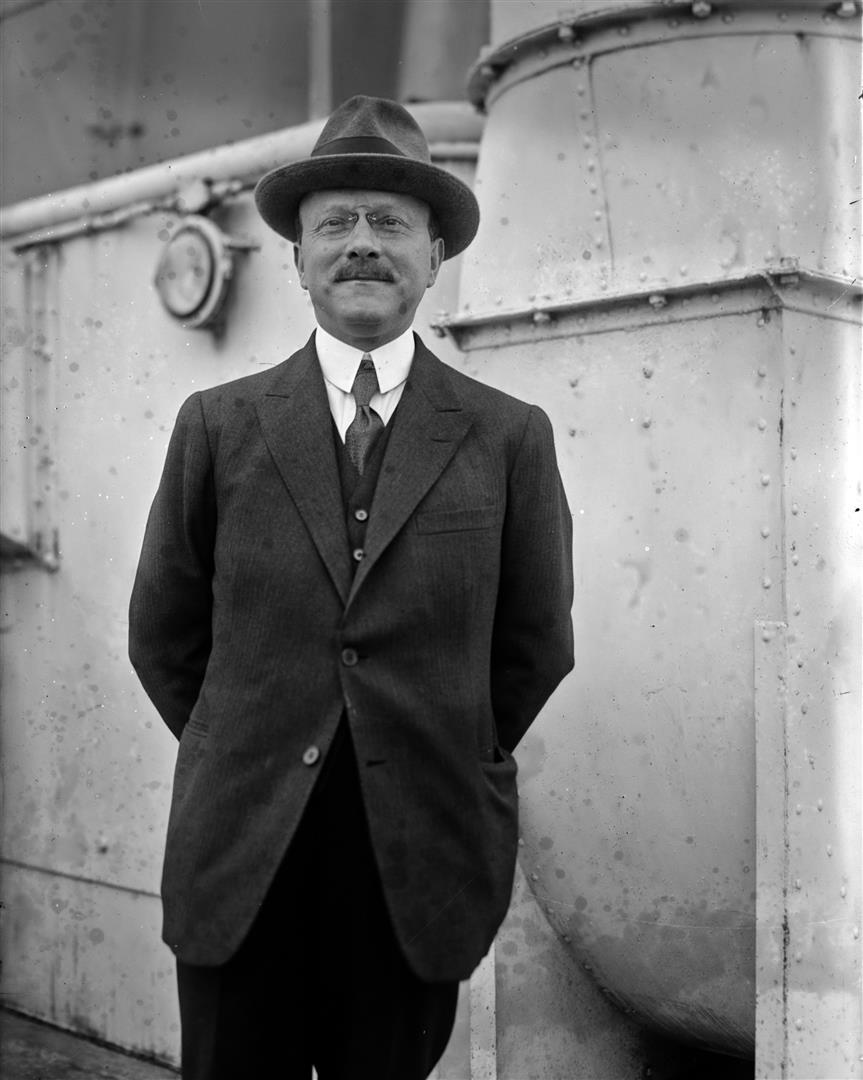 1878-1935 Freimaurer und Jude André Citroën. Autofabrikant. Studierte 1912 bei Henry Ford in Amerika die neuen Produktionsmethoden.
