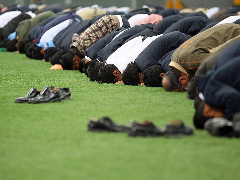 """Das Wort Islam bedeutet """"sich unterwerfen"""", """"sich hingeben"""". Ist logisch, da alle Weltreligionen zum Zweck der Versklavung etabliert wurden."""