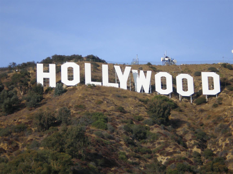 Hollywood heißt 'Wald der Zauberstäbe'. Magie war bei den Illuminaten schon immer eine wichtige Form der Bewußtseinskontrolle