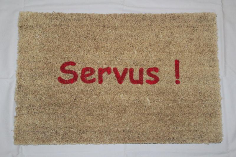 Jedesmal wenn wir auf der Straße 'Servus' sagen, sagen wir eigentlich 'Sklave'