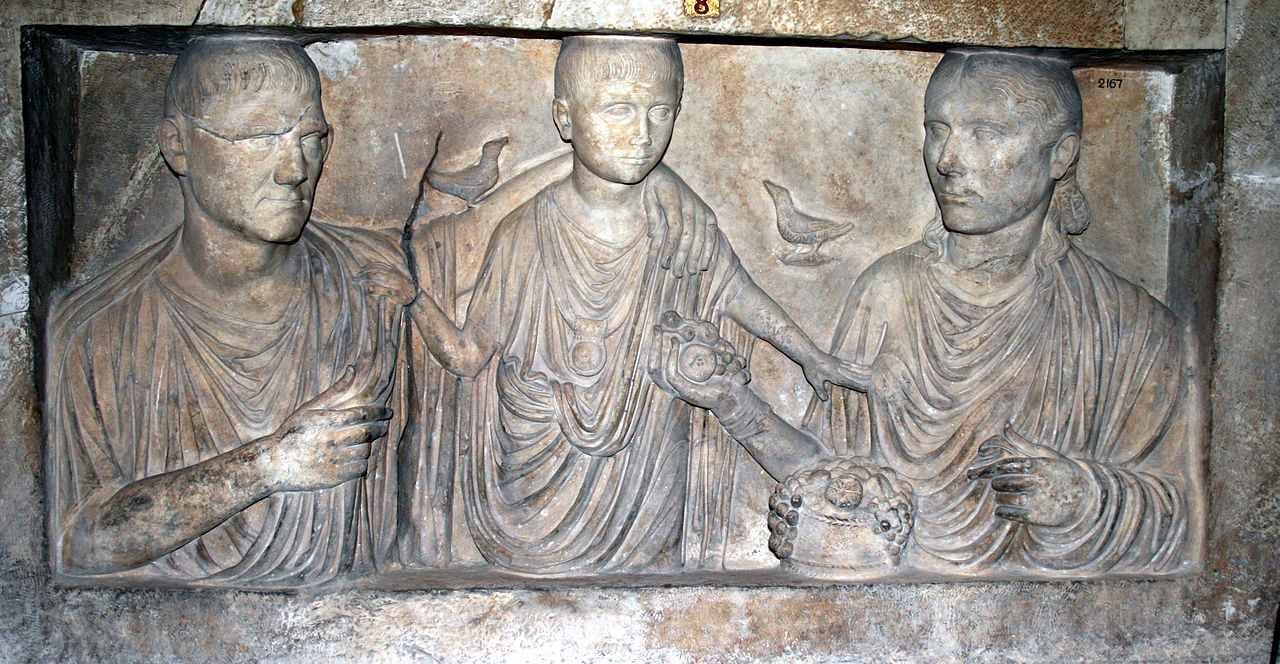 Liberty - Ein Sklave (servus) im Alten Rom hieß libertus nach seiner Freilassung. Im Bezug auf seinen Patronus war er dann ein Klient. Wirklich frei war er aber noch lange nicht.