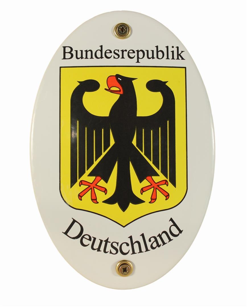 Republik - 'res' (lat., Besitz, Vermögen) und 'publicare' (lat., beschlagnahmen, konfiszieren)