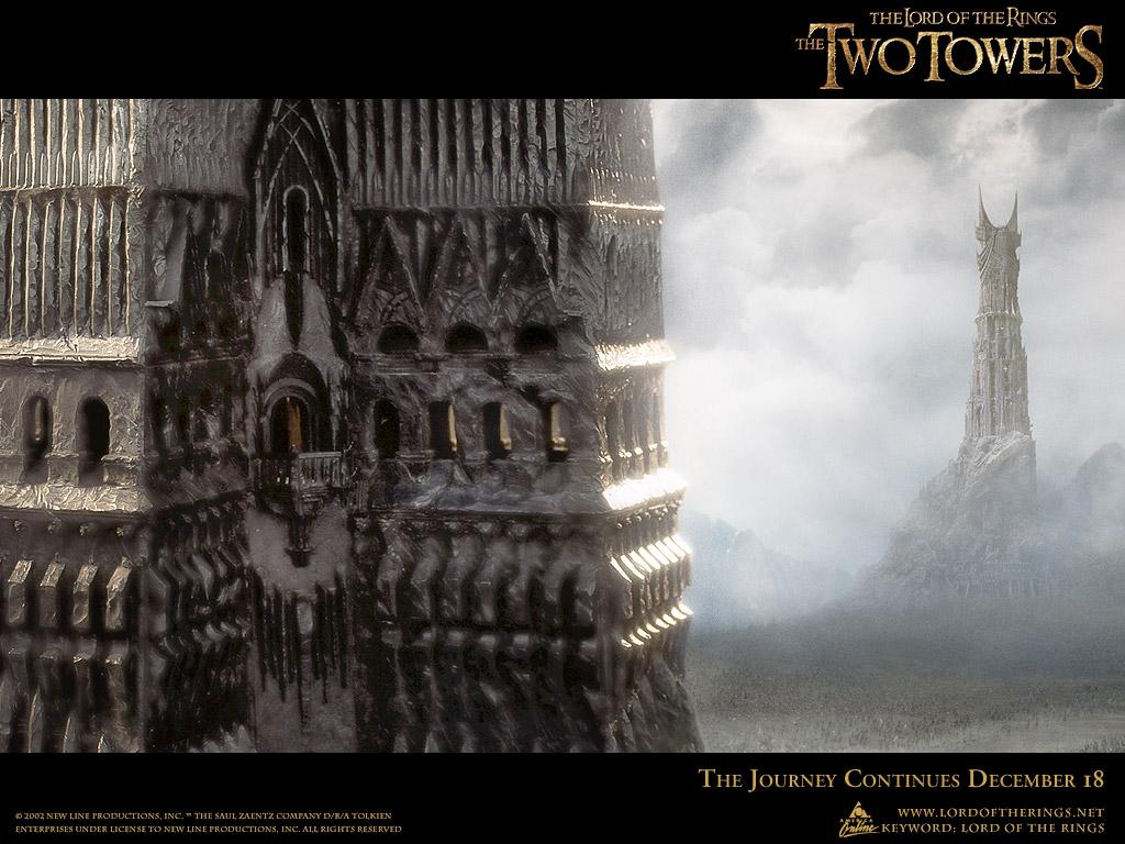"""2001 - Alle drei Teile der Herr der Ringe Trilogie wurden von 1999 bis 2001 gedreht. Der zweite Teil heißt """"Die zwei Türme"""". Die Fassade des vorderen Turmes weist Ähnlichkeit mit dem World Trade Center auf. Der Titel """"Der Herr der Ringe"""" nimmt Bezug auf die Ringe des griechischen Gottes Saturn. Saturn ist der Herr der Ringe. Er spielt eine tragende Rolle in der Illuminati-Philosophie."""