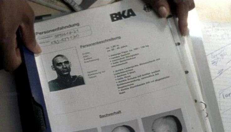 2001 - In der Krimiserie Tatort wird das Fahndungsfoto des NSU-Terroristen Uwe Mundlos gezeigt. Schuld daran sei eine unwissende TV-Praktikantin gewesen.