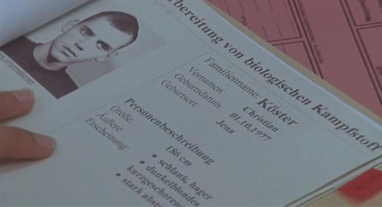 2004 - In der Krimiserie Küstenwache wird ein Fahndungsfoto des NSU-Terroristen Uwe Böhnhardt gezeigt. Der Name wurde verändert, die Personenbeschreibung stimmt genau mit dem echten Fahndungsaufruf überein.