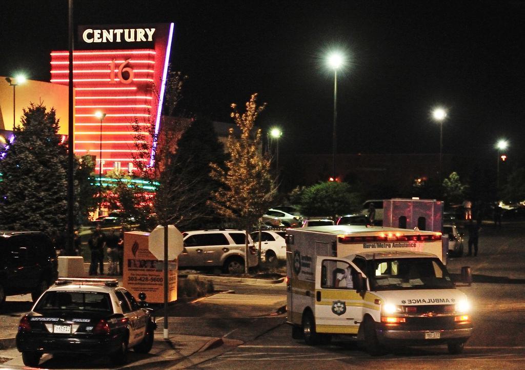 2012 (20. Juli) - In einem Kino im Bundesstaat Colorado, USA fand bei der Premiere des Batman-Filmes, The Dark Knight Rises ein Amoklauf statt. Es gab 12 Tote und 58 Verletzte. Der Name der Stadt war Aurora.