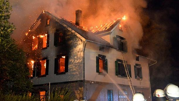 Brandanschlag auf ein geplantes Flüchtlingsheim in Weissach im Tal