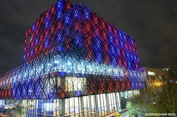 Illuminierte Gebäude - Großbritannien, Birmingham, Stadtbibliothek