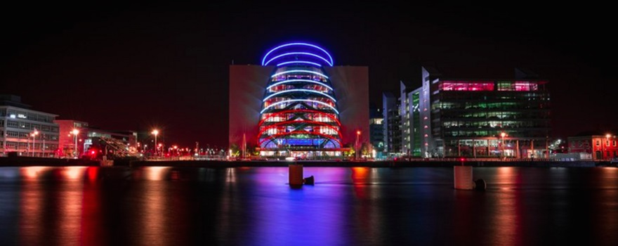 Illuminierte Gebäude - Irland, Dublin, Convention Centre