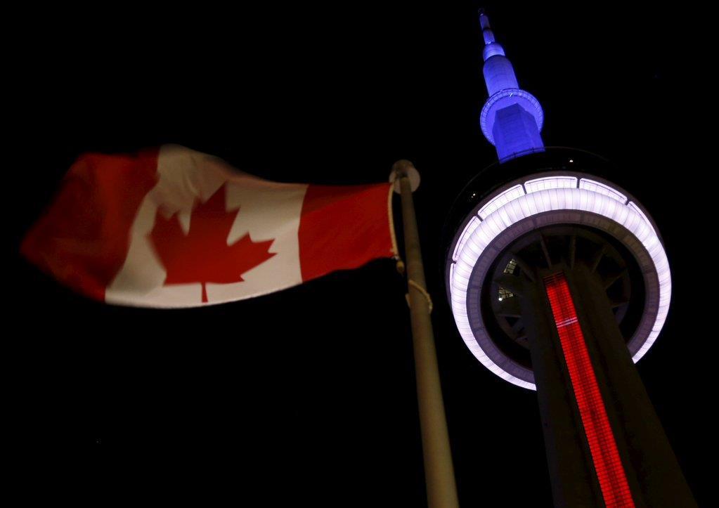 Illuminierte Gebäude - Kanada, Toronto, CN Tower