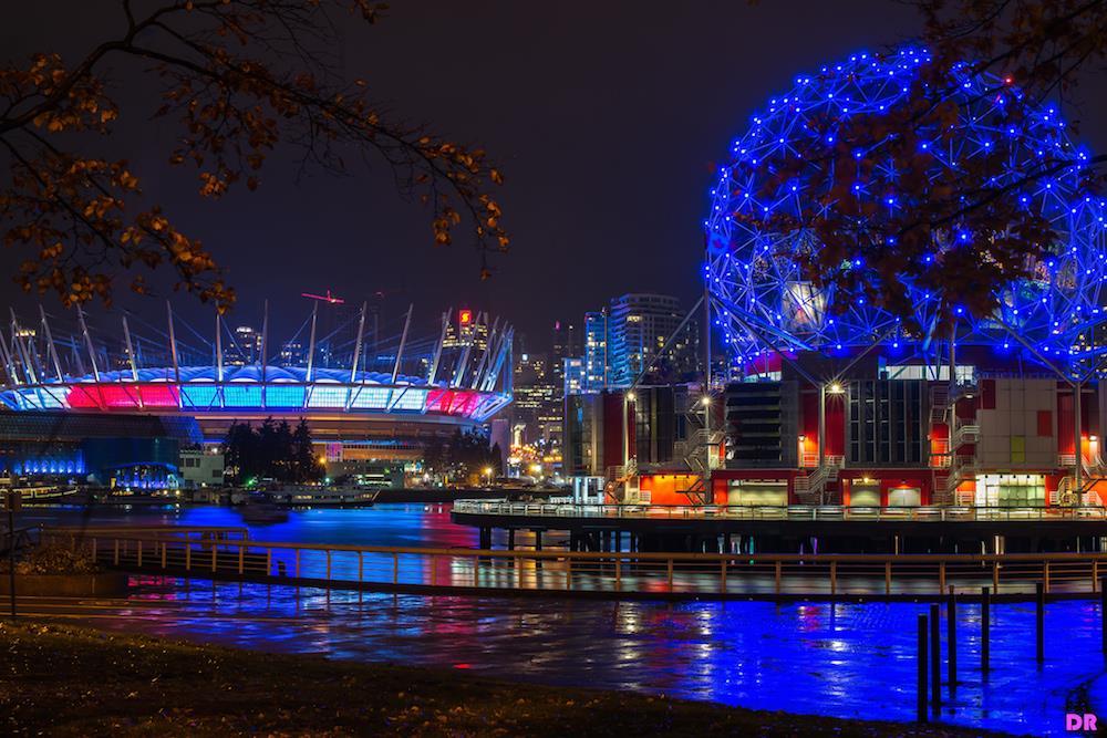 Illuminierte Gebäude - Kanada, Vancouver, BC Place