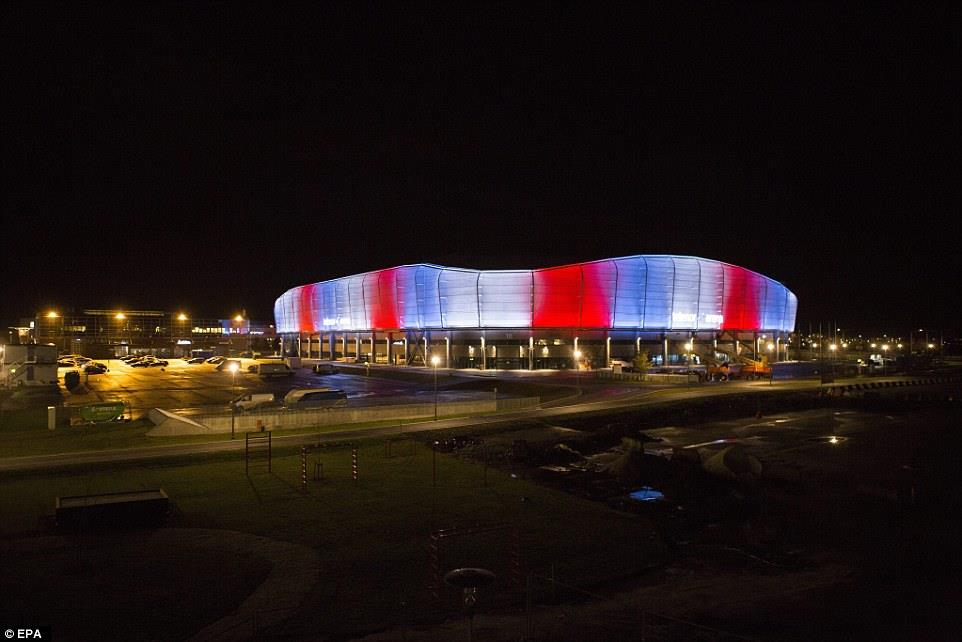 Illuminierte Gebäude - Norwegen, Baerum, Telenor Arena