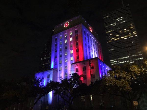 Illuminierte Gebäude - USA, Texas, Housten, Rathaus