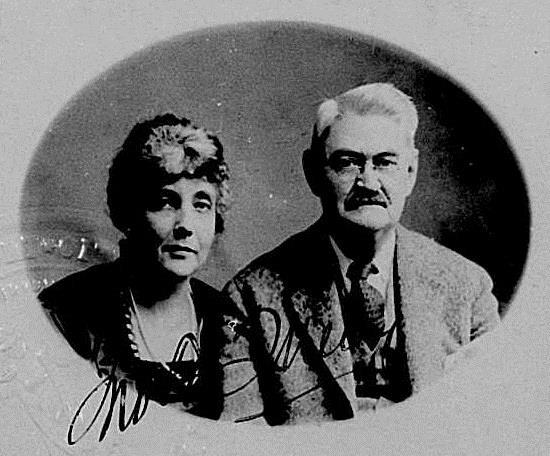1872-1938 Jüdin Olga Mendez Monsanto. Ihr Mann John Francis Queeny gründete den Agrarkonzern. Er produzierte die krebseregenden Stoffe Saccharin und Vanillin. Ihre Vorfahren (Isaak Monsanto) waren reiche Sklavenhändler in New Orleans.