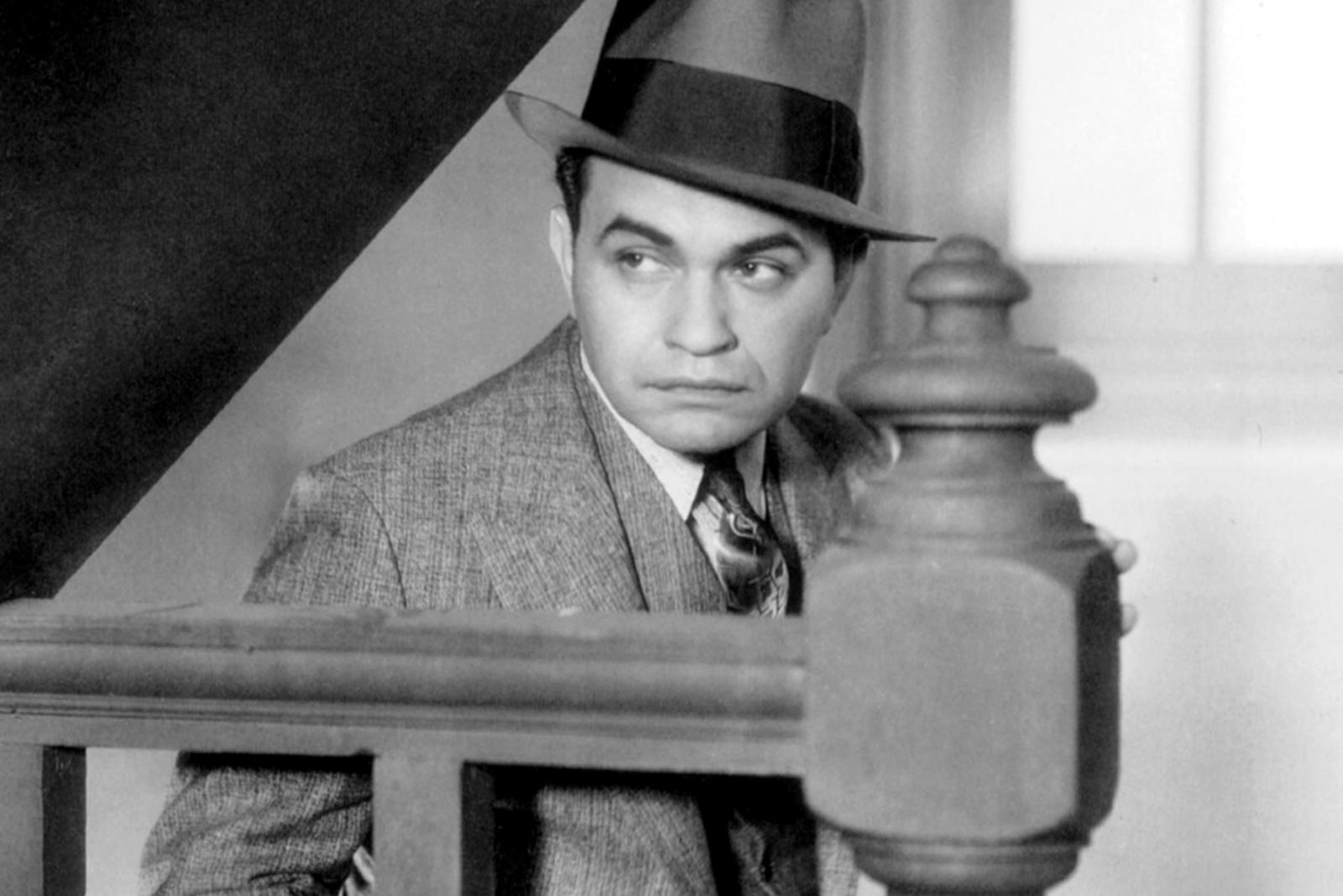 1893-1973 Jude Emanuel Goldenberg (Tarnname Edward G. Robinson). Hollywood-Schauspieler. Er spielte in den Filmen: Little Caesar, Frau ohne Gewissen, Die zehn Gebote und Soylent Green (Verschwörungsthriller). Unter den fünfzig wichtigsten amerikanischen Filmstars wird er auf Rang 24 geführt.