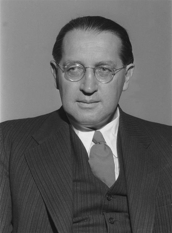 1897-1967 Freimaurer und evtl. Jude Thomas Dehler. FDP-Politiker, Justizminister und Bundestagsvizepräsident. Das Haus der FDP-Bundesgeschäftsstelle ist nach ihm benannt.