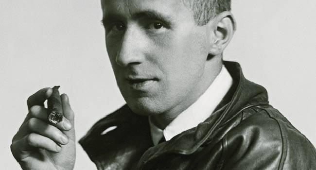 1898-1956 Freimaurer und evtl. Jude Bertolt Brecht. Schriftsteller und Theatermann. Floh 1933 aus Deutschland. Heiratete eine Jüdin.
