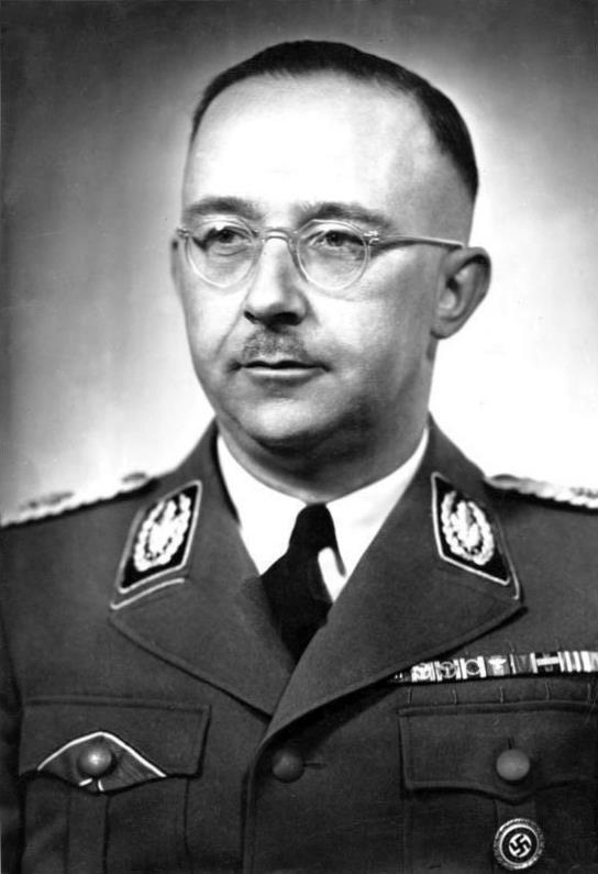 1900-1945 Jesuit und Jude Heinrich Himmler. Unter anderem war er Reichsführer der SS, Chef der Polizei und Reichsinnenminister. Ritter des Malteser Ordens.