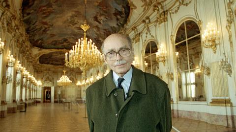 1912-2011 Freimaurer Otto von Habsburg. Österreichischer Thronfolger, CSU-Politiker. Setzte sich in den 30er Jahren für die Pan-Europäische Bewegung ein.