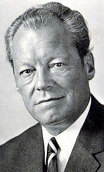 1913-1992 Freimaurer Herbert Frahm (Tarnname Willy Brandt). KGB-Agent, Außenminister und Bundeskanzler. Friedensnobelpreisträger. Präsident der Sozialistischen Internationale. Mitglied im verschwörerischen Kommittee der 300.