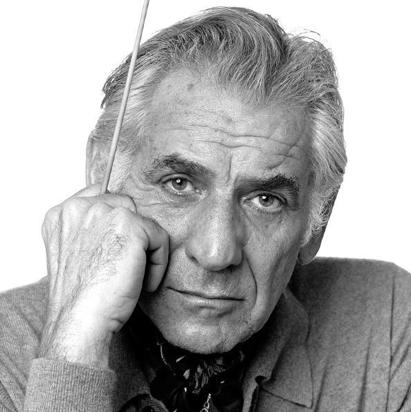 1918-1990 Jude Leonard Bernstein. Komponist und Dirigent. West Side Story