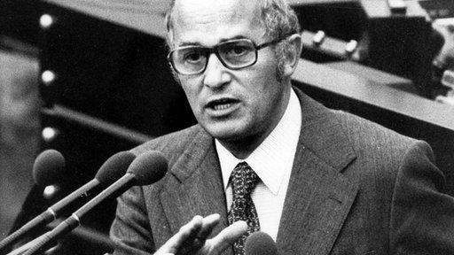1924-2006 Jesuit Rainer Barzel. CDU-Politiker, Bundesminister, Präsident des Bundestages, Bilderberger und 'Fast-Kanzler'