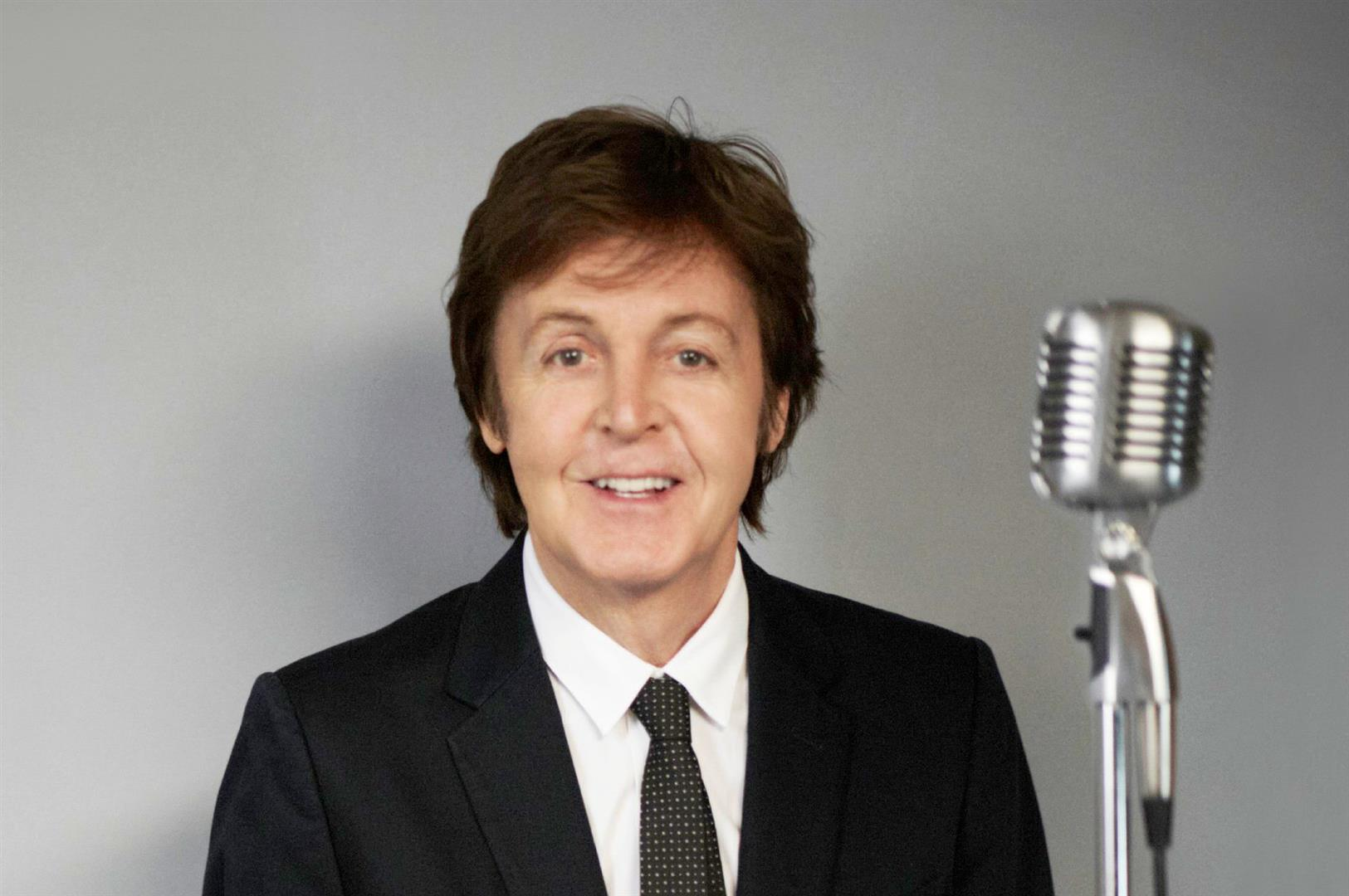 1942 Freimaurer und evtl. Jude Paul McCartney. Musiker. The Beatles. Yellow Submarine, Yesterday, Let It Be, Help, She Loves You, A Hard Day's Night und Hey Jude.
