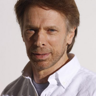 1945 Jude Jerry Bruckheimer. Filmproduzent. Flashdance, Top Gun, Beverly Hills Cop, Tage des Donners, The Rock, Con Air, Armageddon, Der Staatsfeind Nr. 1, Coyote Ugly, Pearl Harbor, Black Hawk Down, CSI und Fluch der Karibik.
