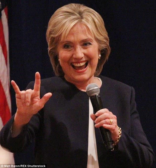 1947 Freimaurerin Hillary Clinton. First Lady, US-Präsidentschaftskandidatin, Mind-Control-Programmiererin und Hexe. In der Illuminati-Hirarchie ist sie eine Grand Dame.