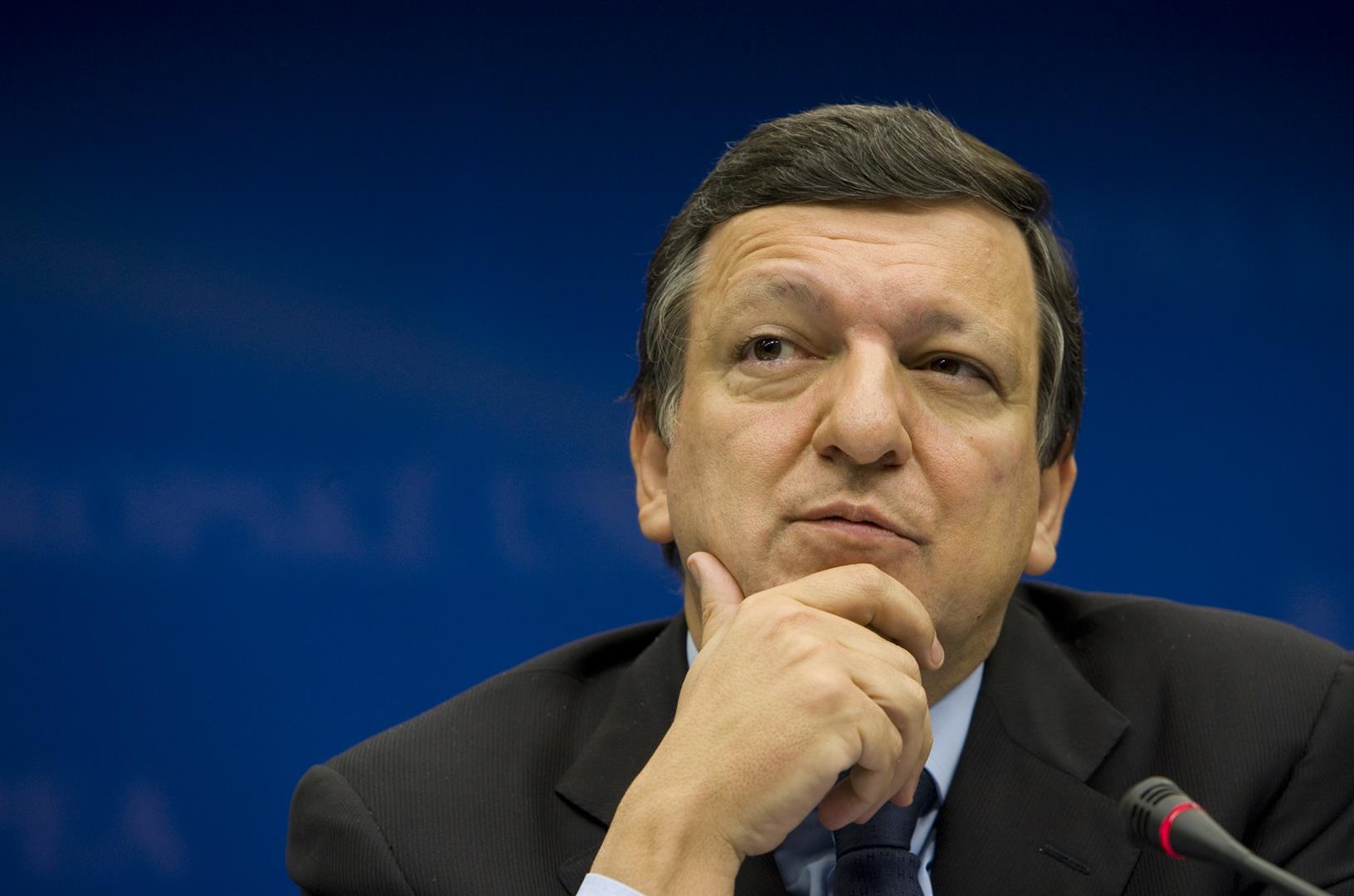 """1956 Jesuit José Manuel Barroso. Präsident der EU-Kommission. Ministerpräsident Portugals. Studierte an der amerikanisch-jesuitischen Georgetown University. Zusammen mit dem """"Deutsche Verteidigungsdienst"""" (DVD) verstrickt in den Entführungsfall """"Maddie""""."""