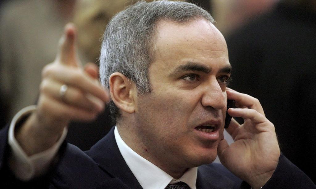 1963 Jude Garik Weinstein (Tarnname Garri Kasparow). Russischer Schachweltmeister und Oppositionspolitiker.