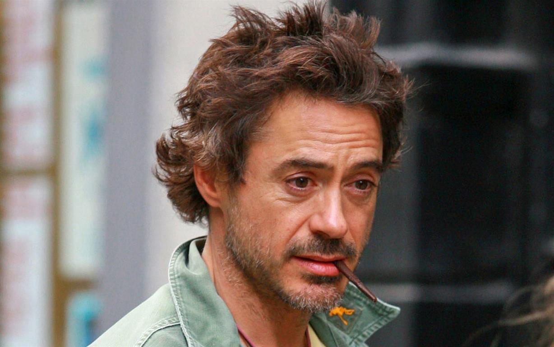 1965 Jude Robert Downey. Amerikanischer Schauspieler. Short Cuts, Natural Born Killer, Ally McBeal, Chaplin, Gothika, Sherlock Holmes, Iron Man und Avengers.