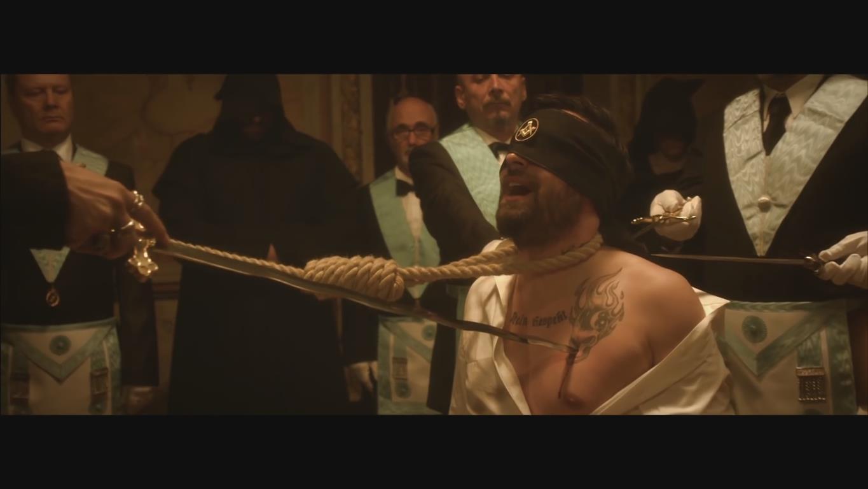 1980 Freimaurer Paul Würdig (Sido). Deutscher Rapper. Ist bei der Illuminati-Firma Universal Music unter Vertrag. Im Musikvideo 'So mach ich es jetzt' wird sein Einweihungsritual nachgespielt.