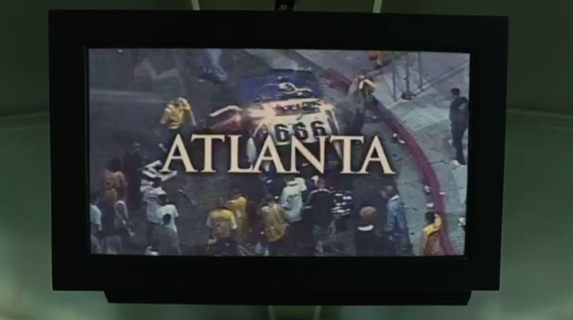 Im Spielfilm Children of men erscheint in einer Nachrichteneinblendung ein Polizeiauto mit der Zahl 666 (Minute 3.58).